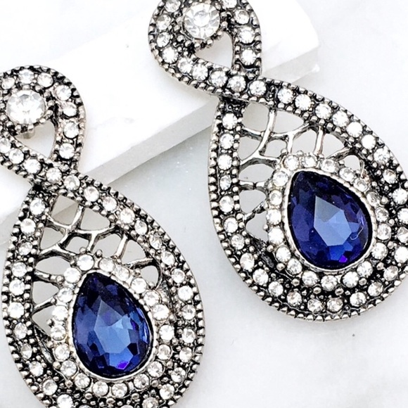 Cherryl's Jewelry - Blue Crystal Earrings